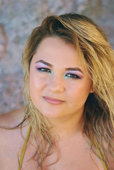 Model: Aylin